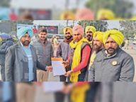 जल सप्लाई व सैनिटेशन कॉन्ट्रैक्ट वर्कर्स यूनियन ने कैबिनेट मंत्री ब्रह्म महेंद्रा को भेजा मांगपत्र|जलालाबाद,Jalalabad - Dainik Bhaskar