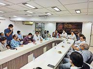 वाहनों पर प्रतिबंध हटाने को व्यापारियों ने 10 सुझाव दिए, सीपी बोले- सबसे पूछकर आइए गुजरात,Gujarat - Dainik Bhaskar