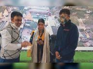 जिस दर्शनार्थी ने किया अपमान, उसी ने किया महिला सुरक्षाकर्मी का सम्मान|उज्जैन,Ujjain - Dainik Bhaskar