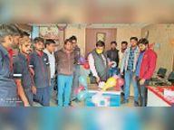 हीरो मोटोकॉर्प ने बेची 100 मिलियन बाइक, मनाया सेलिब्रेशन करौली,Karauli - Dainik Bhaskar