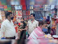 नए 258 रोगी, बुजुर्ग की मौत भी, बंद रहा आकोला, प्रशासन- पुलिस सख्त, शहर में पांच प्रतिष्ठानों पर मुकदमा दर्ज कर सीज किया|भीलवाड़ा,Bhilwara - Dainik Bhaskar