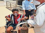 जिला कोविड अस्पताल में 24 घंटे में 200 सिलेंडर भी कम पड़ रहे...क्योंकि जिनकी रिपोर्ट निगेटिव उन्हें भी पड़ रही ऑक्सीजन की जरूरत|भिलाई,Bhilai - Dainik Bhaskar