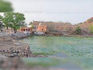 खनन करने के लिए मां धंधागिरी मंदिर की पहाड़ी की दे दी लीज, ग्रामीणों में आक्रोश छतरपुर (मध्य प्रदेश),Chhatarpur (MP) - Dainik Bhaskar