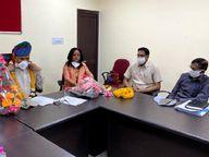 बिना मास्क लगाए सार्वजनिक कार्यक्रम अटेंड करना जयपुर डीआरएम को पड़ा महंगा, कोरोना से हुई संक्रमित|जयपुर,Jaipur - Dainik Bhaskar