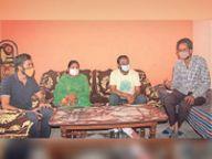 कोरोना संक्रमण के चलते मां को खोया, लेकिन हिम्मत नहीं, संयुक्त परिवार को हौंसला देकर तीन परिजनों को किया संक्रमण मुक्त, अब सबको बता रहे मास्क पहनने का महत्व बठिंडा,Bathinda - Dainik Bhaskar