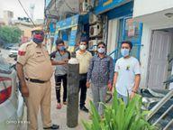 सिलेंडर के लिए भटकने की जरूरत नहीं, पोर्टल पर आवेदन के बाद पुलिस पहुंचाएगी जरूरतमंद के घर पर ऑक्सीजन|रेवाड़ी,Rewari - Dainik Bhaskar