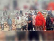 लोगों को संक्रमण से जागरूक कर हाइपोक्लोराइट का छिड़काव कराया|टोंक,Tonk - Dainik Bhaskar