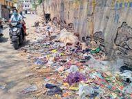 अस्थायी सफाई कर्मियों की हड़ताल, सड़कों पर कचरे के ढेर, संक्रमण बढ़ने का खतरा दौसा,Dausa - Dainik Bhaskar