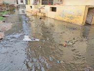 फिर भैया कॉलोनी के घरों और दुकानों में भरेगा पानी; सड़कों पर डेढ़ से दो फीट पानी भरता है, नाले का प्रवाह इस तरफ कर दिया|लटेरी,Lateri - Dainik Bhaskar