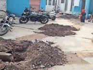अमृत योजना के ठेकेदार की मनमानी कनेक्शन चाहिए तो निर्माण कराओ|छतरपुर (मध्य प्रदेश),Chhatarpur (MP) - Dainik Bhaskar