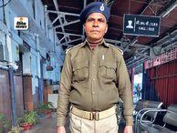 पटना जंक्शन पर छूटा महिला का पर्स, हाेमगार्ड ने थाने में किया जमा, पर्स में थे एक लाख के जेवर|पटना,Patna - Dainik Bhaskar