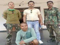 24 ग्रामीणों की राशि ले ली और नहीं बनाए मकान, भानुप्रतापपुर से गीदम पुलिस ने पकड़ा जगदलपुर,Jagdalpur - Money Bhaskar