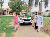 भामाशाह ने जनसेवा के लिए कार को एंबुलेंस बनाया|टोंक,Tonk - Dainik Bhaskar