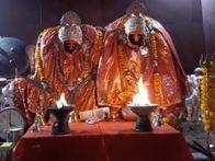 खचाखच भरे रहने वाले मंदिरों में गिने-चुने श्रद्धालु पहुंचे, विशेष श्रृंगार के साथ हवन-पूजन और अनुष्ठान|नागौर,Nagaur - Dainik Bhaskar