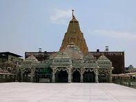 કોરોનાનું સંક્રમણ વધતા યાત્રાધામ અંબાજીનું મંદિર 30 એપ્રિલ સુધી બંધ, ગબ્બર મંદિર ટ્રસ્ટ હસ્તકના અન્ય મંદિર પણ બંધ|પાલનપુર,Palanpur - Divya Bhaskar