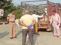 हरियाणा में किसानों को दे रहे सिर्फ दो बैग; ज्यादा रेट पर राजस्थान में सप्लाई कर रहे, 130 कट्टे बरामद हिसार,Hisar - Money Bhaskar