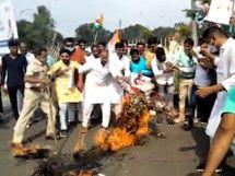 कांग्रेस ने प्रज्ञा के बयान को हिंदू धर्म का अपमान बताया; सांसद से पूछा- क्या भगवा कलर ओढ़ कर आतंकवादी पवित्र हो जाता हैं भोपाल,Bhopal - Money Bhaskar