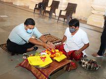 સોમનાથના ગોલોકઘામ ખાતે ભગવાન શ્રી કૃષ્ણના ચરણ પાદુકાનું પૂજન-ઘ્વજારોહણ કરી ઉજવણી કરાઇ|વેરાવળ,Veraval - Divya Bhaskar