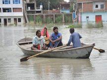 कानपुर के पनका गांव समेत शहरी आबादी में भी खतरा मंडराया, बाहर आने के लिए नाव का सहारा ले रहे ग्रामीण, बर्रा-8 समेत कई इलाकों में भरा पानी|कानपुर,Kanpur - Money Bhaskar
