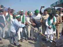 लखीमपुर खीरी प्रकरण के विरोध में सरकार के खिलाफ किसानों का हल्ला बोल|मेरठ,Meerut - Money Bhaskar
