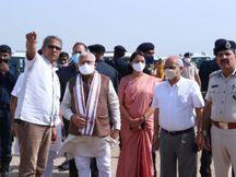 ऐयरपोर्ट के रनवे व अन्य कार्यों का किया निरीक्षण, चुनाव प्रचार करने ऐलनाबाद के लिए निकले हिसार,Hisar - Money Bhaskar