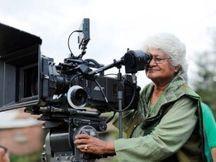 78 વર્ષની ઉંમરે સુમિત્રા ભાવેએ દુનિયાને અલવિદા કહ્યું, પ્રથમ ફિલ્મમાં નેશનલ અવોર્ડ જીત્યો હતો, છેલ્લી ફિલ્મે 'દંગલ'ને પણ પાછળ છોડી હતી|એન્ટરટેઇનમેન્ટ,Entertainment - Divya Bhaskar