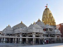 કોરોના મહામારીના પગલે યાત્રાધામ અંબાજી અને સંલગ્ન ધાર્મિક સંસ્થાઓ 12 મેં સુધી બંધ રહેશે|પાલનપુર,Palanpur - Divya Bhaskar