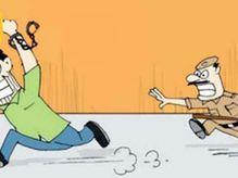 शौचालय का बहाना बनाकर 151 का आरोपी भागा, 1 KM दौड़ लगाती रही पुलिस; लालबाग थाने का आरक्षक सस्पेंड|खंडवा,Khandwa - Money Bhaskar