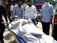 कूड़ा फेंकने गया युवक 66 KV बिजली की चपेट में आकर झुलसा, चिंगारी से कूड़े के ढ़ेर में आग लगी|जालंधर,Jalandhar - Dainik Bhaskar