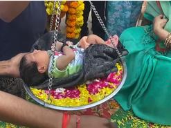 ढोल-ताशे के साथ घर लाए, रास्ते में फूल बिछाए, तुलादान कराया; कभी चंबल में बच्ची की किलकारी पर छा जाती थी खामोशी|भिंड,Bhind - Money Bhaskar
