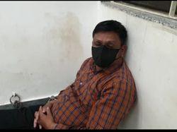 દાહોદમાં રેમડેસિવિર ઇન્જેકશનના કાળા બજાર કરતા ગઠિયાને પોલીસે ઝડપી પાડ્યો|દાહોદ,Dahod - Divya Bhaskar
