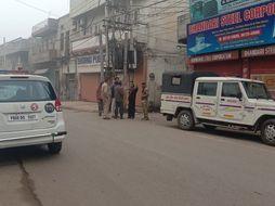 जालंधर में नाका तोड़ भागा नशा तस्कर, टायर फटने के बावजूद भगाता रहा कार, दोआबा चौक पर पकड़ा गया|जालंधर,Jalandhar - Dainik Bhaskar