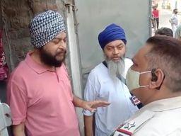 जालंधर में दिनदहाड़े फायरिंग, सैर के वक्त हुए झगड़े का बदला लेने के लिए घर पर बरसाई ईंटें, चलाई गोलियां|जालंधर,Jalandhar - Dainik Bhaskar