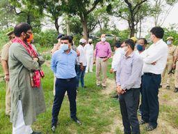कमिश्नर ने कार्यक्रम बनाकर मुख्यमंत्री कार्यालय को भेजा, PMO से हरी झंडी मिलनी बाकी, रनहेरा चौकी के पास उतरेंगे PM-CM के हेलीकॉप्टर|गाजियाबाद,Ghaziabad - Money Bhaskar