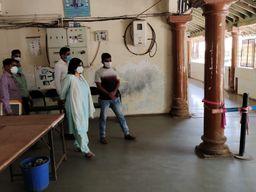 હળવદમાં એક નહીં પણ ત્રણ કોવિડ સેન્ટર ચાલુ કરાશે, 98 બેડ કોરોના દર્દીઓને ફાળવાશે|હળવદ,Halvad - Divya Bhaskar