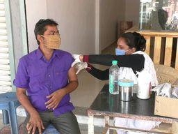 મહેસાણાના વિસનગરમાં અર્બન હેલ્થ સેન્ટર અને પંચાલ બોર્ડિંગ ટ્રસ્ટ દ્વારા કોરોના રસીકરણ કેમ્પ યોજાયો|મહેસાણા,Mehsana - Divya Bhaskar
