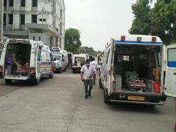 વલસાડ જિલ્લાની કોવિડ સિવિલ હોસ્પિટલમાં 300 બેડ ફૂલ થવાની તૈયારીમાં, તાત્કાલિક 100 બેડ વધારવામાં આવ્યા|વલસાડ,Valsad - Divya Bhaskar