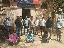 બનાસકાંઠા સહિત અન્ય જિલ્લાઓમાં 86 જેટલી ઘરફોડ ચોરીને અંજામ આપનારી ચડ્ડી બનીયાનધારી ગેંગના 3 સાગરિતો ઝડપાયા પાલનપુર,Palanpur - Divya Bhaskar