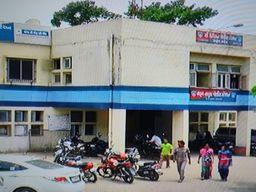 ઉદ્યોગ નગર સ્થિત જેબ્સન કંપનીના કવાટર્સમાં પાંચ મહિલાઓ ઘરમાંથી 93 હજારના મુદ્દામાલની ચોરી કરી ફરાર થઇ ભરૂચ,Bharuch - Divya Bhaskar
