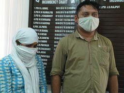 વલસાડમાં દારૂના જથ્થા સાથે ઝડપાયેલો પોલીસ જવાન અને તેની પત્ની બે દિવસના રિમાન્ડ ઉપર|વલસાડ,Valsad - Divya Bhaskar