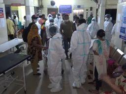 વલસાડ જિલ્લામાં કોરોનાનો કહેર યથાવત, આજે નવા કોરોના પોઝિટિવના 98 કેસ આવ્યા, 5 દર્દીના મોત થયા વલસાડ,Valsad - Divya Bhaskar