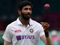લોકો ભલે એમ્બ્રોસને ઘાતક માને પણ એમ્બ્રોસના મતે બુમરાહ સૌથી 'ડેડલી' બોલર, કહ્યું- 'ફિટ રહેશે તો 400 વિકેટ લેશે'|ક્રિકેટ,Cricket - Divya Bhaskar