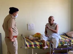 વલસાડ એસપીને મેડિકલ નોડલ અધિકારી તરીકેની જવાબદારી સોંપાઈ, પોલીસ પરિવારોને આપશે માર્ગદર્શન વલસાડ,Valsad - Divya Bhaskar
