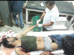 दावत खाकर लौट रहा था, युवक, रास्ते में मिल गए आरोपी, लाठी लेकर दौड़ाया, पीछे से गोली मार दी मुरैना,Morena - Money Bhaskar