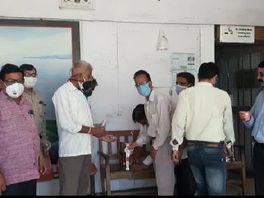 कलेक्ट्री में बड़ी संख्या में सरकारी मुलाजिमों ने किया काढ़े का सेवन, जिला आयुर्वेद विभाग ने की पहल|बांसवाड़ा,Banswara - Dainik Bhaskar