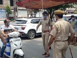 वीकेंड कर्फ्यू वाले रविवार को पुलिस के तीखे तेवर, दो घंटे में 15 कार और 25 दुपहिया जब्त|राजस्थान,Rajasthan - Dainik Bhaskar