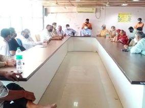 બનાસકાંઠાના ધાનેરા શહેરમાં કોરોનાનું સંક્રમણ વધતા 7 દિવસના સ્વયંભૂ લોકડાઉનનો નિર્ણય, તંત્ર અને વેપારીઓની બેઠકમાં નિર્ણય પાલનપુર,Palanpur - Divya Bhaskar