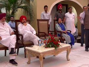 पूर्व कैबिनेट मंत्री सुंदर शाम अरोड़ा के घर पहुंचे CM चरणजीत सिंह चन्नी, समागम में लिया हिस्सा|जालंधर,Jalandhar - Money Bhaskar