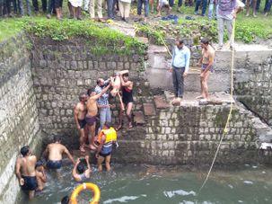 कुएं में डूब रहे नाती को बचाने के लिए नाना ने कुएं में लगा दी छलांग, दोनों की मौत|मध्य प्रदेश,Madhya Pradesh - Money Bhaskar