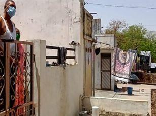 મહેસાણા જિલ્લામાં હોમ ક્વોરંટાઈનમાં રહેલા દર્દીઓના ઘરની મુલાકાત લઈ પોલીસે ઓચિંતી તપાસ કરી મહેસાણા,Mehsana - Divya Bhaskar